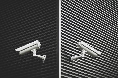 Wat zijn draadloze bewakingscamera's en wat zijn de voordelen?